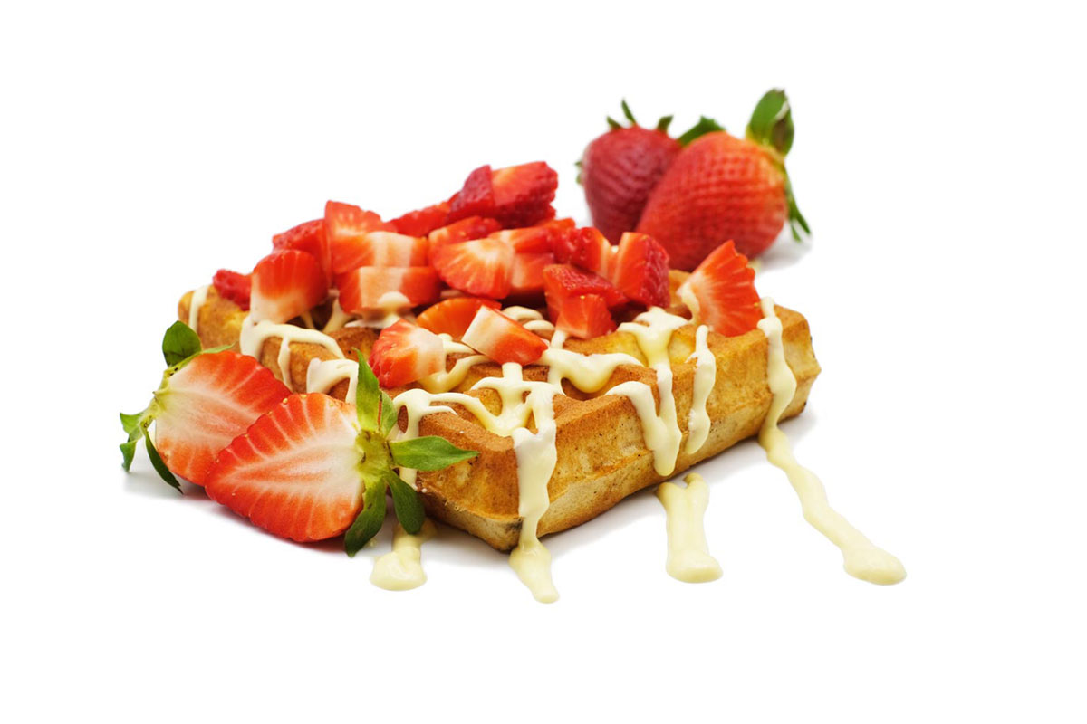 Foodally Belgian Waffle strawberries and white chocolate